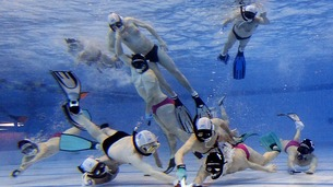 231 underwater hockey  1 .jpg thumb