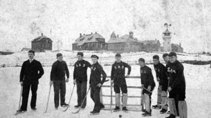 393 ice polo 1890.jpg thumb