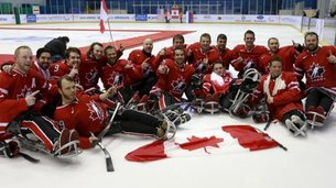 582-sledge_hockey_champions_2013.jpg-thumb
