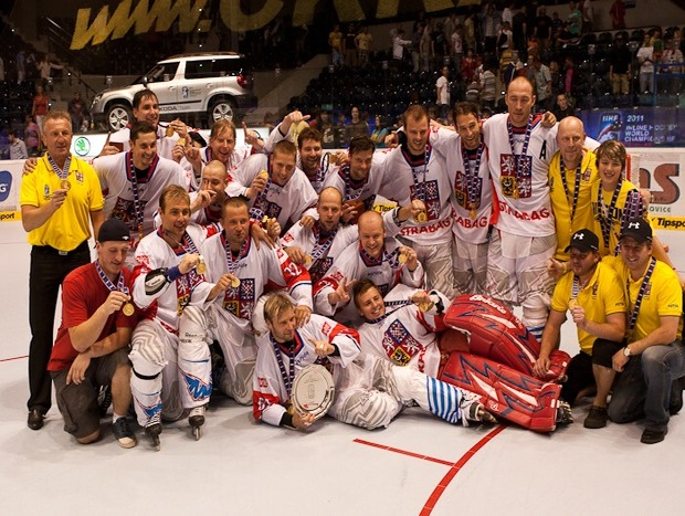 74-inline_hockey_world_champions_2011_czech_republic.jpg-featured