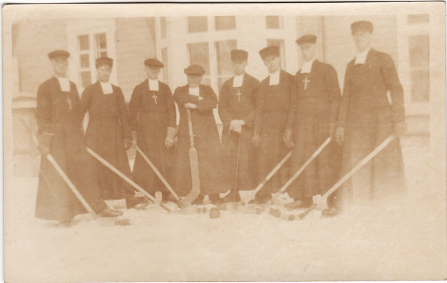 La Malbaie Fathers - Quebec - Priesthood Ice Hockey - 1928
