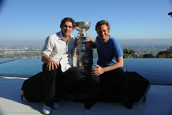 Anze Kopitar - Matthew Perry & The Stanley Cup in Los Angeles