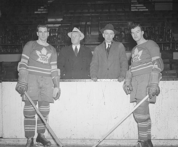 Syl Apps - Conn Smythe - Dick Irvin - Gord Drillon - 1938