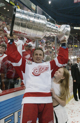 Igor Larionov - Detroit Red Wings - Stanley Cup Champion - 2002