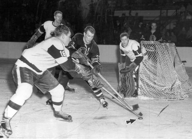 Chicago Blackhawks vs Detroit Red Wings Game Action - 1957