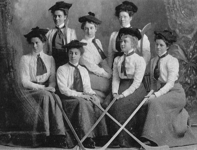 Antique Women's Ice Hockey - Barrie Girls' Hockey Club - 1892