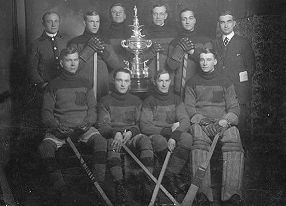 F.R. MacMillan Hockey Team - 1914 - Saskatchewan