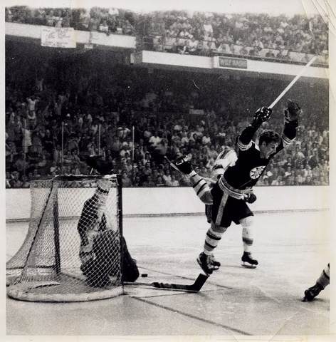 Bobby Orr Scores Stanley Cup Winning Goal - May 10, 1970