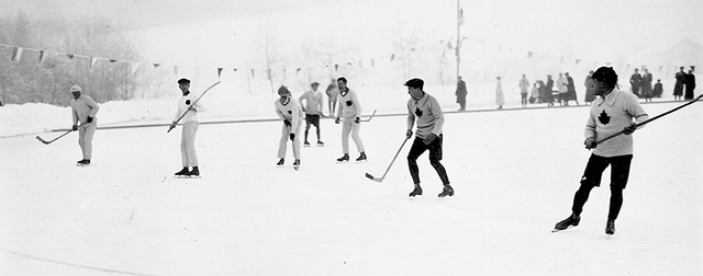 Oxford Canadians - 1905 - Outdoor Game Action