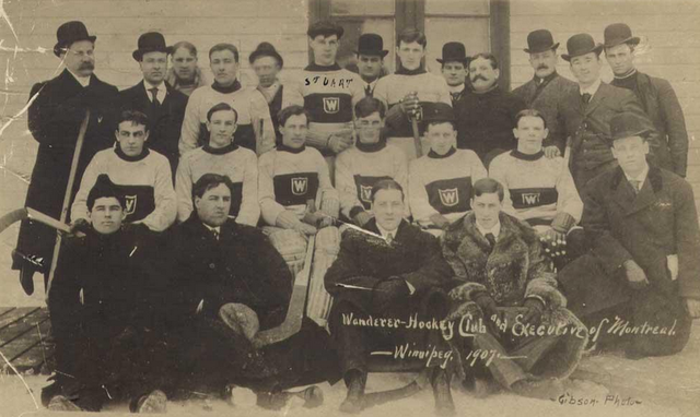 Montreal Wanderers Hockey Club and Executive in Winnipeg 1907