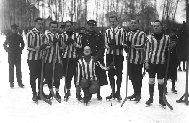 AZS Kraków / KS Cracovia Krakow - Early 1920s Team Photo