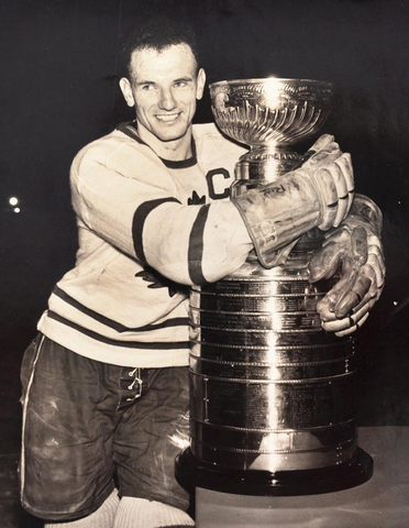 Teeder Kennedy Hugs The Stanley Cup - 1951 Toronto Maple Leafs