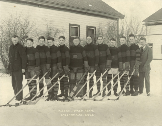 Calgary Tigers Hockey Team 1924