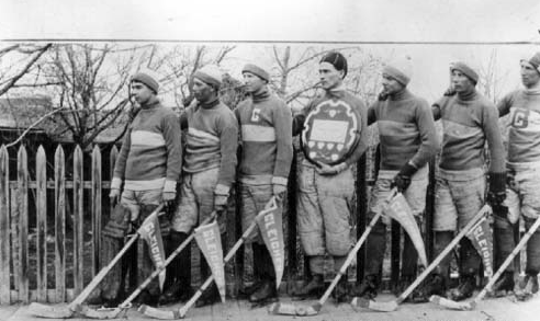 Gleichen Ice Hockey Team - Ashdown Shield Winners 1913