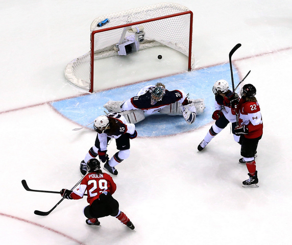 Marie-Philip Poulin Scores Golden Goal in Overtime 2014 Olympics