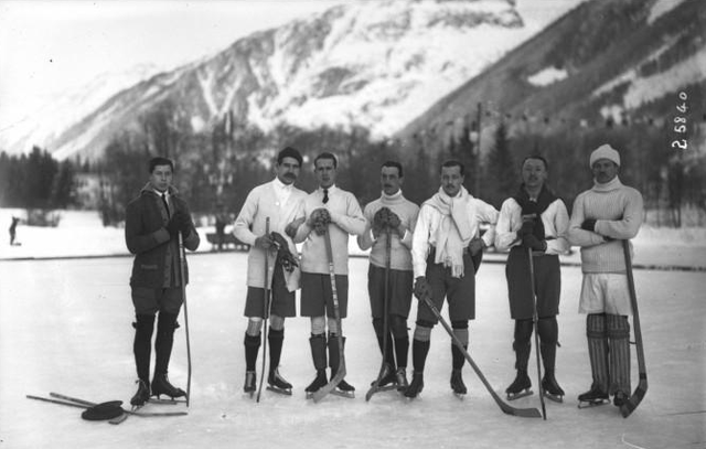 Brussels Ice Hockey Club in Chamonix, France 1913