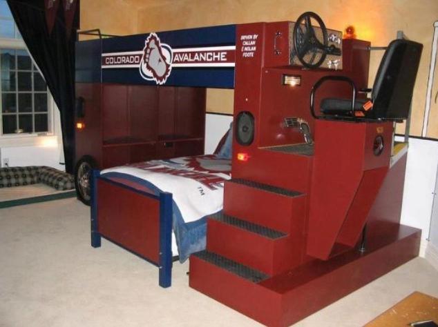 Zamboni Bed In A Hockey Bedroom
