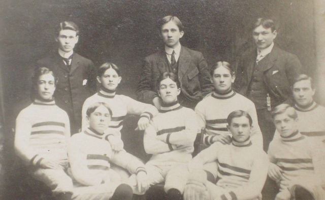 Club du Collége St. Boniface / St. Boniface Hockey Team 1905