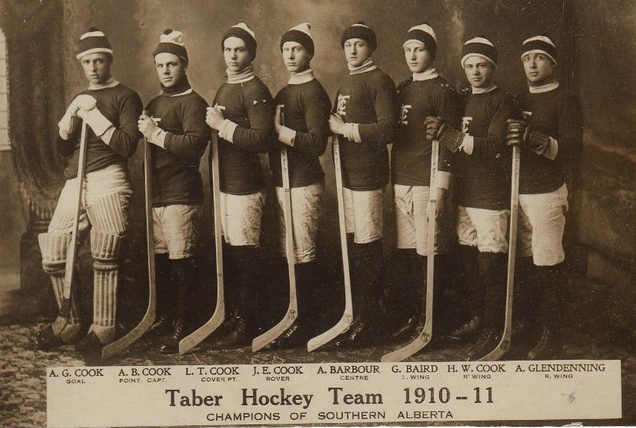 Taber Senior Hockey Team / Taber Chefs / Taber Cooks 1911