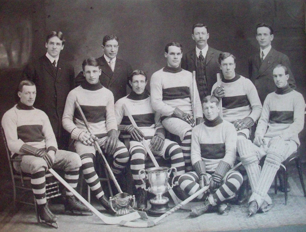 Ottawa Seconds (New Edinburghs) Hockey Club with Alf Smith - early 1900s