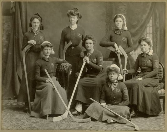 Hamilton Thistle Club Women's Hockey Team - circa 1904