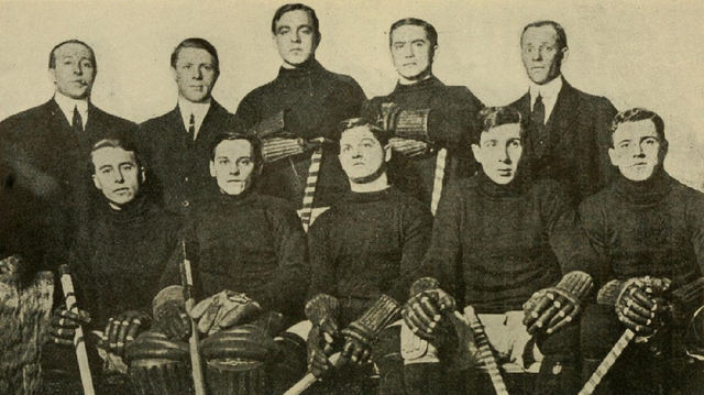 New York Wanderers Hockey Team / Wanderers of New York City 1910