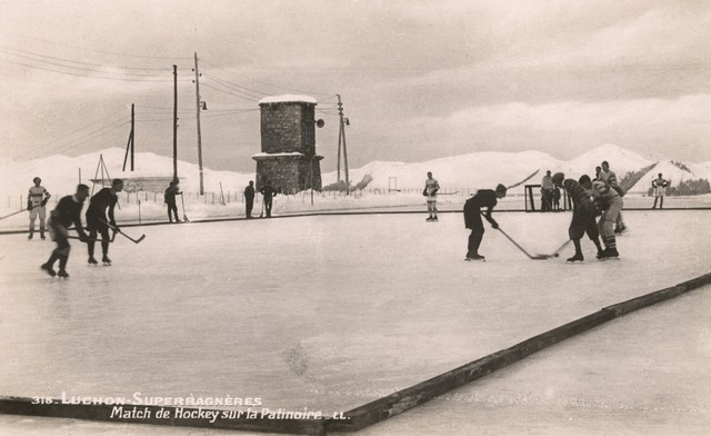 Match de Hockey at Luchon Superbagnères, France 1930s