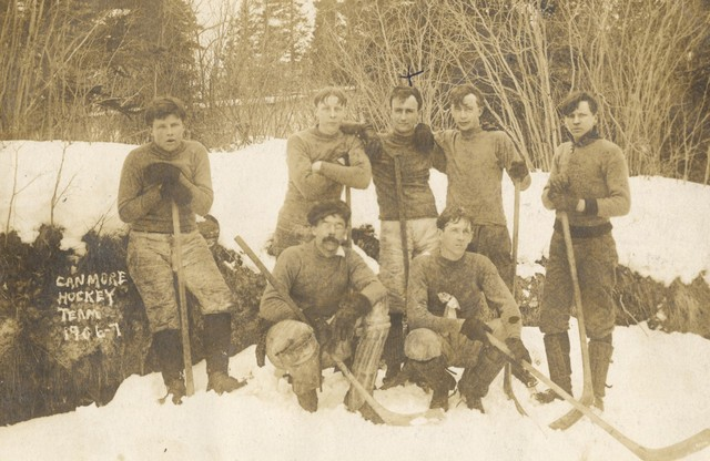 Canmore Ice Hockey Team 1907