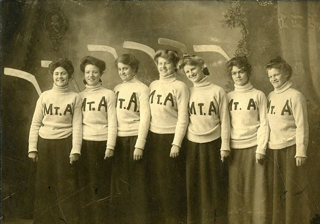 Mount Allison University Womens Ice Hockey Team 1903