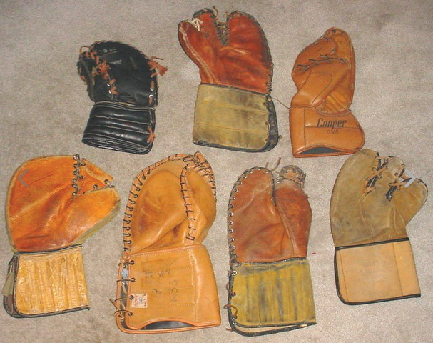 Vintage Ice Hockey Goalie Goaltender Trapper Catching Gloves