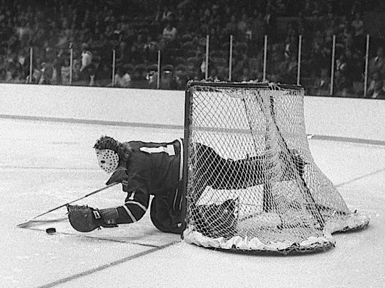 Vancouver Canucks Goalie Gary Smith Covers The Puck 1975
