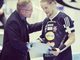 Jari Kinnunen Presents Mikael Järvi with 700 Point League Plate