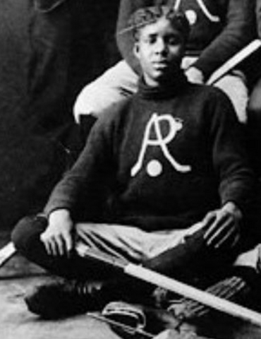 Sam Agee of the Riazons / Renzoni Hockey Team - Yukon 1910