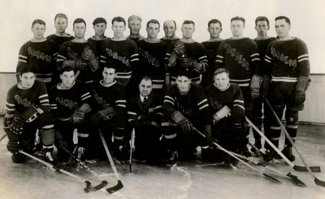 New York Rangers Team Photo 1932 / 1933 Season