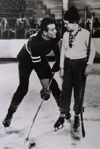 John Wayne as a Hockey Player - Idol of the Crowds 1937