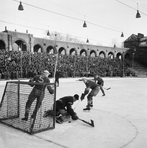 Hammarby IF vs AIK IsHockey Game at Stockholms Stadion 1943