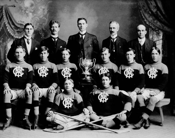 Stratford Y.M.C.A. Hockey Team City Champions / Makins Cup 1907