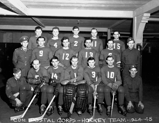 Canadian Postal Corps Hockey Team 1944 World War 2