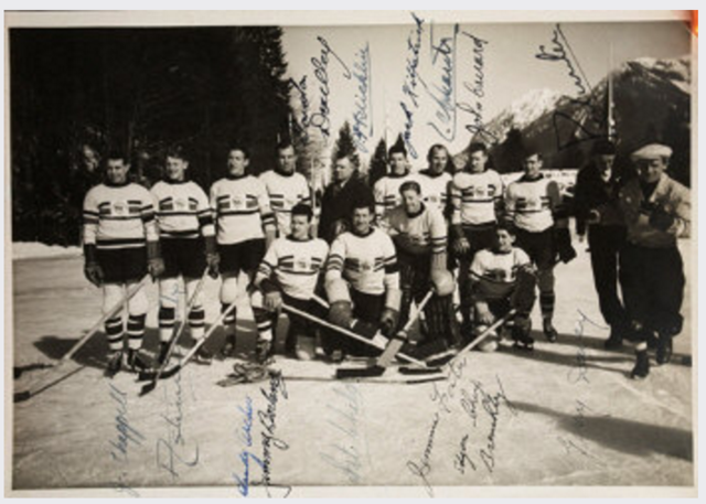 Autographed Great Britain Ice Hockey Team Photo 1936 Olympics Gold Medal Champs