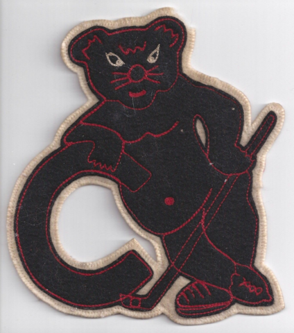 University of Cincinnati Bearcats Hockey Team Lettermans Jacket Patch 1974