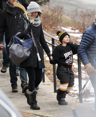 Gisele Bündchen and Benjamin Brady (Tom Brady's son) off to Hockey practice 2016
