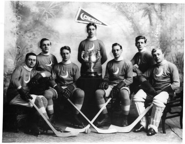 Crescents Hockey Team 1914 Boyle Trophy / Boyle Challenge Cup Champions