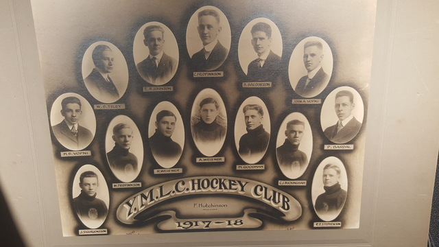 Young Men's Lutheran Club Hockey Club  1917-18
