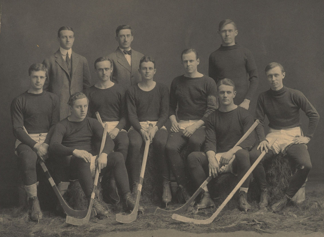 Harvard University Hockey Team 1910–11
