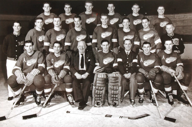 Detroit Red Wings Team Photo 1953