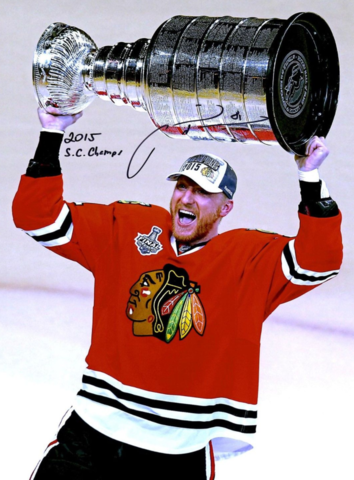 Marián Hossa with The Stanley Cup 2015