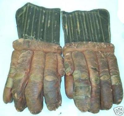 Hockey Gloves 1940s 3