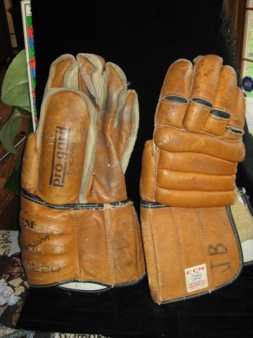 Ice Hockey Gloves 1960s CCM 2