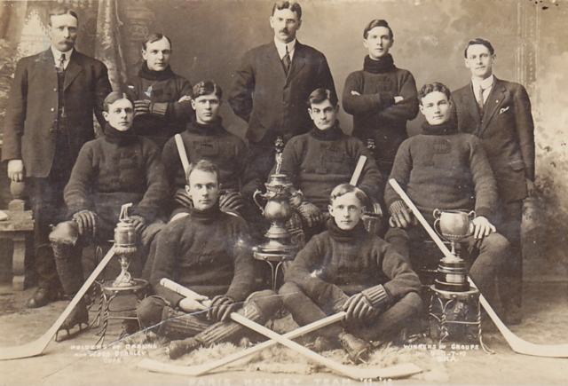 Paris Hockey Team - Carling Cup Champions 1912 Wood Burnley Cup Champions