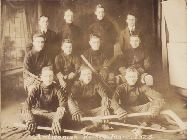 Antigonish Hockey Team 1923